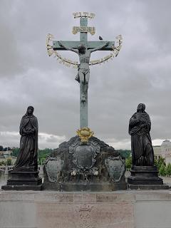 ブロンズの十字架キリスト像