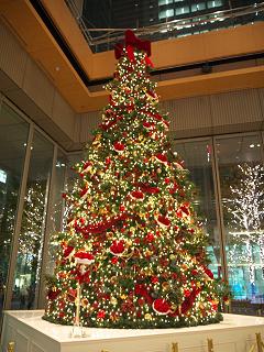丸ビルのクリスマスツリー