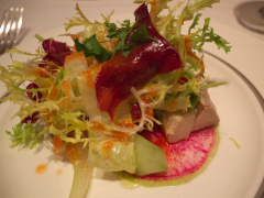 ビン長マグロのコンフィと春野菜のサラダ仕立て シェリービネガーとトマトのドレッシング