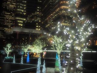 クイーンズスクウェアのクリスマスイルミネーション