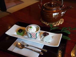 岡崎茶寮 豆狸の抹茶豆腐デザート