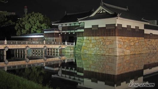 ライトアップされた広島城