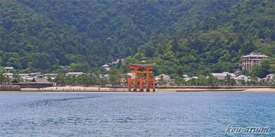 宮島航路から鳥居方面の眺め