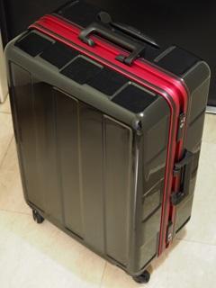 PLUS ONE 軽量スーツケース ブーン 66L