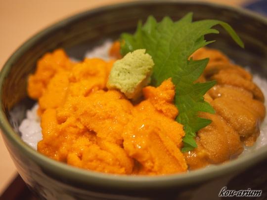 うに丼ハーフ(利尻産バフン塩水ウニ)&ハーフ(無添加生ウニ)