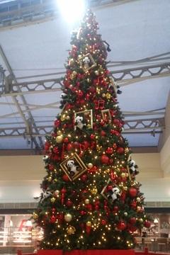 JR上野駅のクリスマスツリー