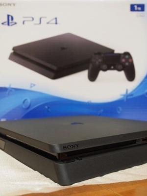 PlayStation4ジェット・ブラック1TB