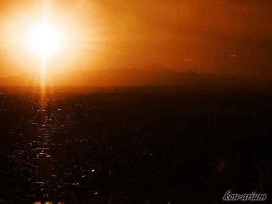 東京都庁舎展望室から富士山の眺め