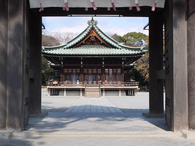 三嶋大社神門から舞殿
