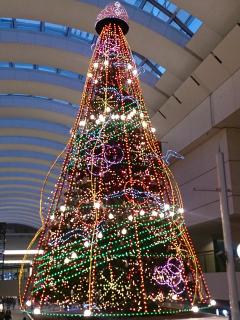 2013年クイーンズタワーのクリスマスツリー