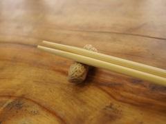 割り箸と箸置き