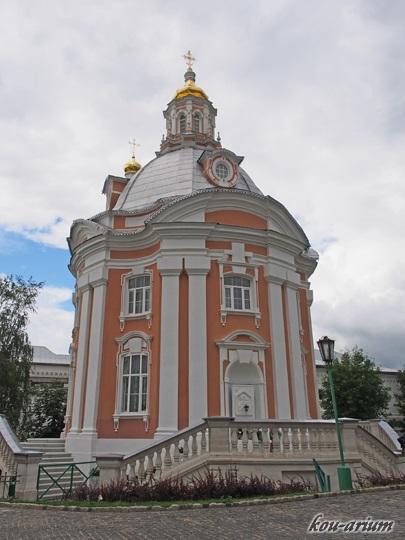 トロイツェ・セルギエフ大修道院内の建物