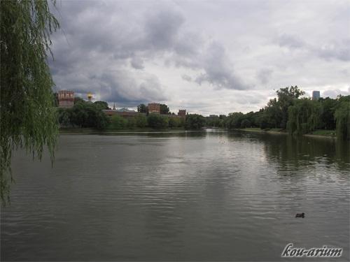 ノヴォデヴィチ女子修道院とボリショイ・ノヴォデヴィチ池