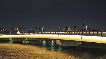 桜橋のライトアップ