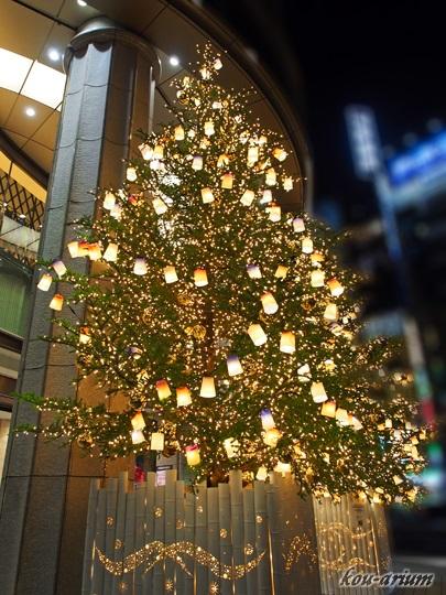 日本橋三越本店前のクリスマスツリー