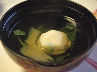清汁仕立て 枝豆真薯 ちぢみ蒟蒻