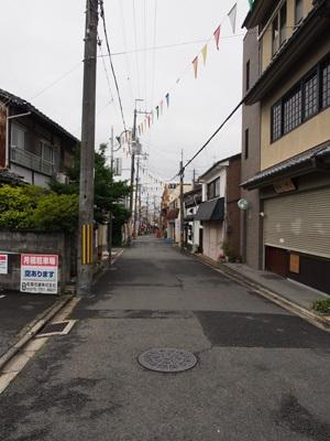 龍安寺駅近くの道