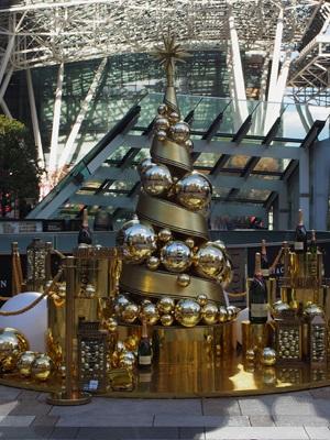 東京ミッドタウンのモエ・エ・シャンドン クリスマスツリー