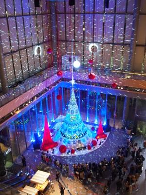 丸ビルのクリスマスツリー 2018